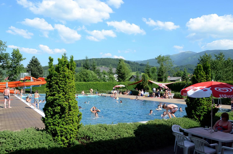 Marktgemeinde wei kirchen schwimmbad wei kirchen for Neu isenburg schwimmbad